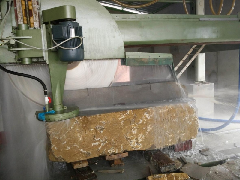 突尼斯客人购买的GS3500型双向切割机