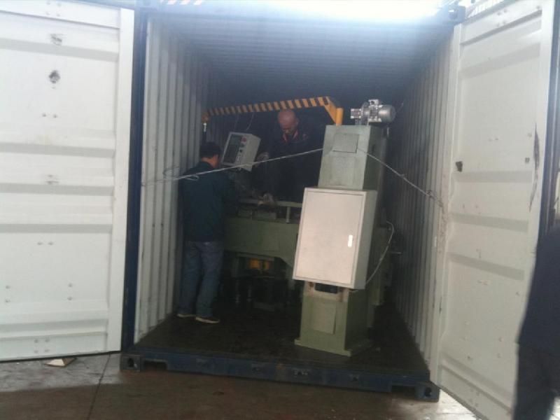 DDQ1000型电脑仿形机装柜中