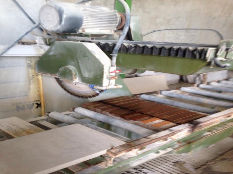 Q600型自动切割机工厂使用中